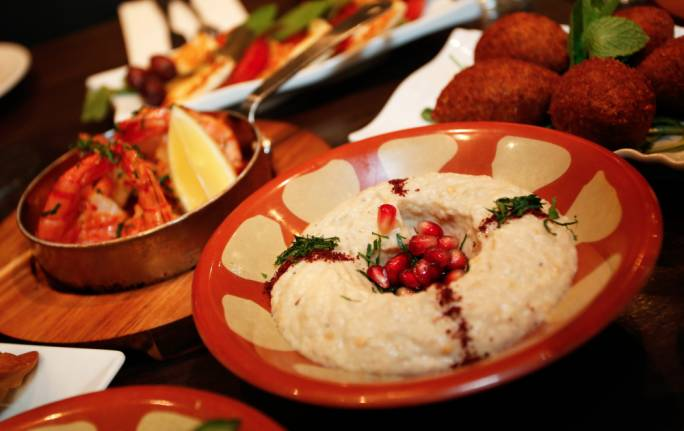 Reggev Hummus serves authentic Israeli food