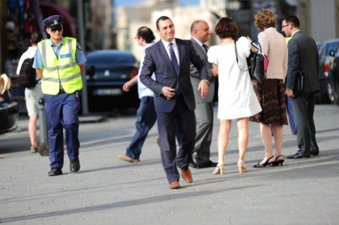 Franco Debono is mulling legal action against the PN to contest the electoral ban imposed on him.
