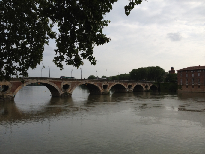The oldest bridge in Toulouse, the Pont Neuf has survived years of Toulouse's worst floods as a result of the overflow holes within its structure