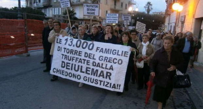 One of the protest marches by residents of Torre del Greco, who lost their savings in Deiulemar bonds