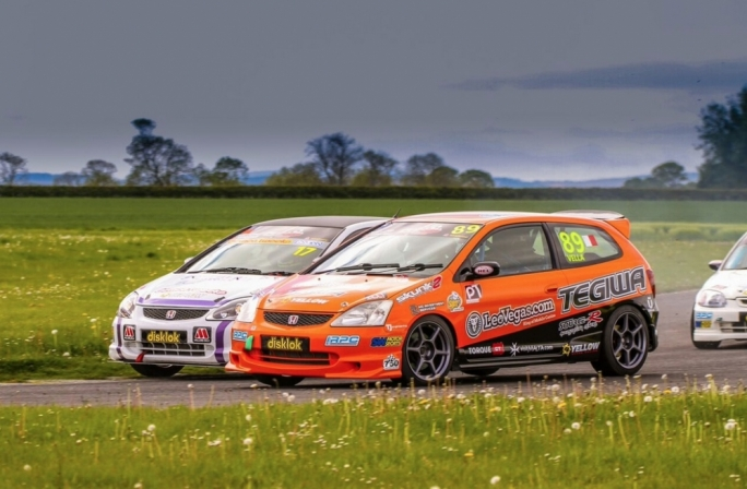Rodren Vella (racing number 89) at Croft Circuit. Photography courtesy Civic Cup/750 Motor Club
