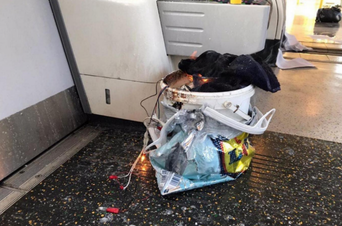 Image of the apparent device on the train Parsons Green Tube (Photo: Twitter)