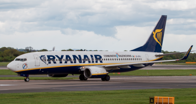 Over 30 pilots of Ryanair's European bases gave the Irish carrier until 10am on Friday to address their concerns