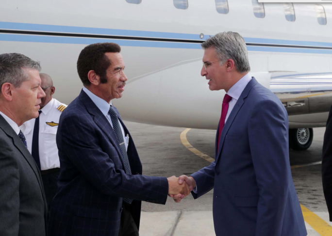 The president of Botswana, Ian Khama (left) was welcomed by Foreign Minister Carmelo Abela (right)