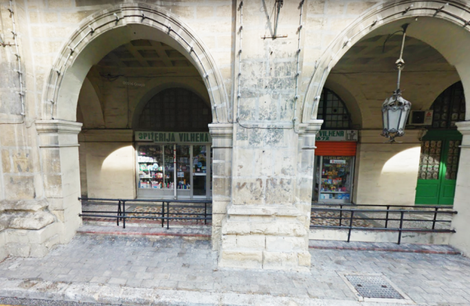 Hold-up at Floriana pharmacy, suspect on the run