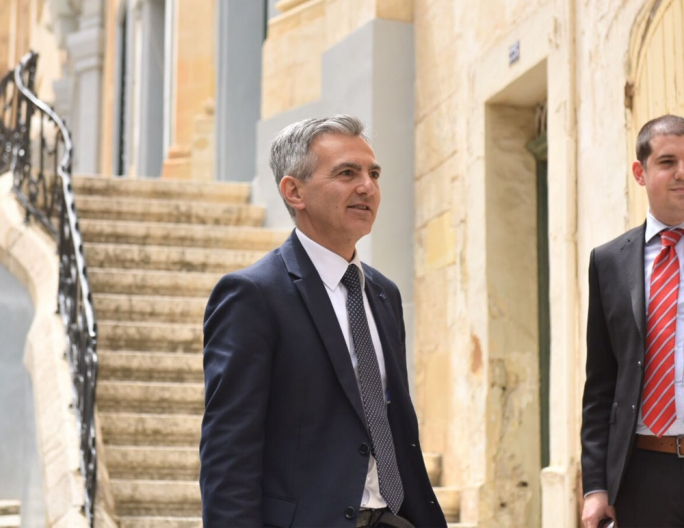 Former PN leader Simon Busuttil has been awarded damages in a libel case originally filed against former labour official and former Kulhadd editor Toni Abela