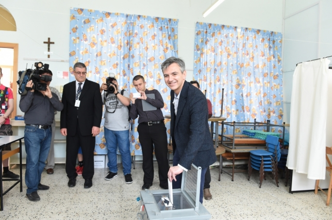 Simon Busuttil casts his vote in the 2014 European elections - Photo: Ray Attard