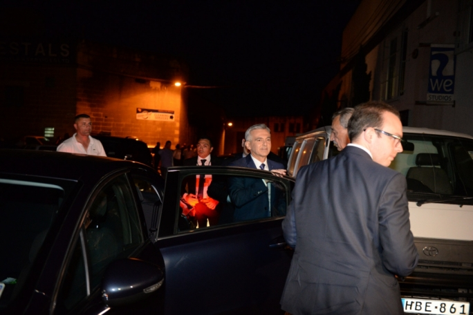 Opposition leader Simon Busuttil on his arrival at Xarabank's studios in Qormi (Photo: James Bianchi/MediaToday)