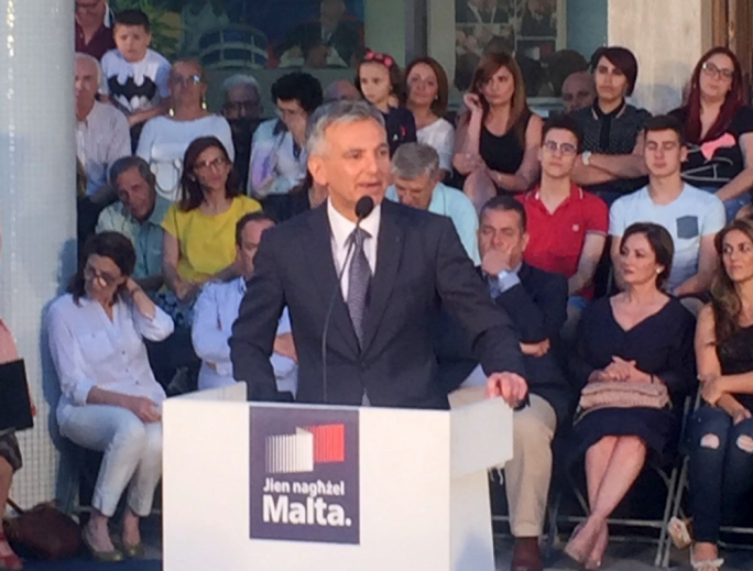 PN leader Simon Busuttil addressing party faithful outside the party headquarters in Pieta'