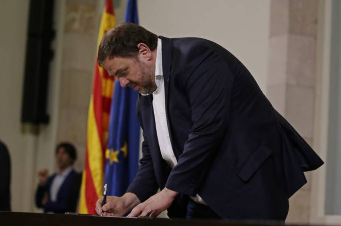 Judge Orders Release of 6 Catalan Politicians