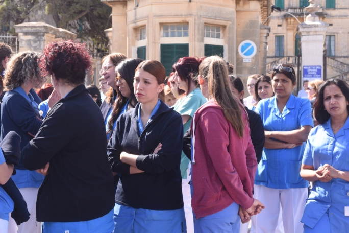 The nurses took an hour out of their break to voice their concerns (Photo: James Bianchi/MediaToday)