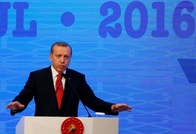 Leading members of the European Parliament on Tuesday called for a halt to membership talks with Turkey because of its post-coup purges