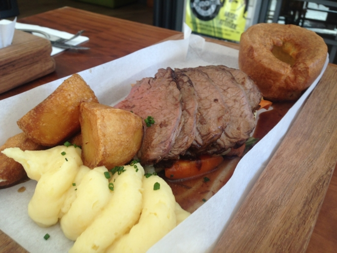 Sunday roast at The Londoner