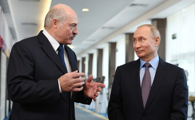 European Union weighs Lukashenko sanctions, meets his Belarus opponent
