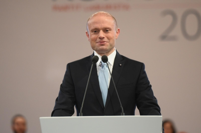 Vote on Malta PM while Muscat leaves the reporter murder