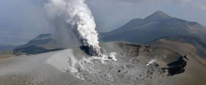 The volcano erupted Thursday for the first time in six years and spread ash in nearby cities and towns. (Photo: Tomoaki Ito/Kyodo News)
