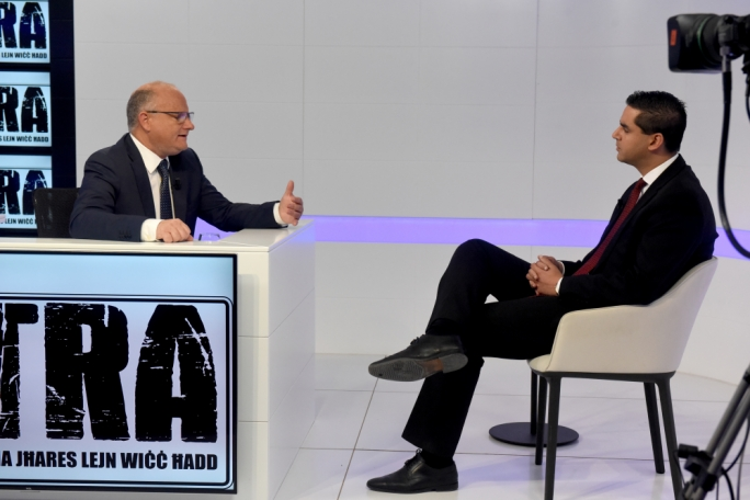 Host Saviour Balzan (left) with Transport Minister Ian Borg (right)
