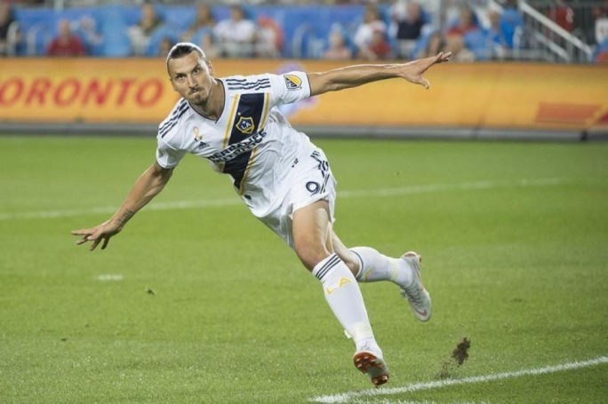 Ibrahimovic staying with Galaxy in 2019