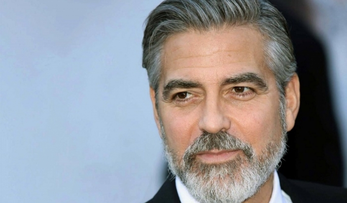 George Clooney shows how a full beard is worn