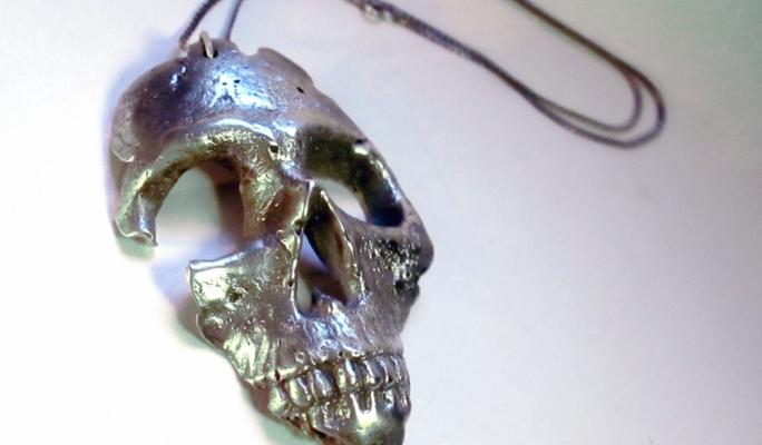 Silver Skull pendant by Tom Farrugia