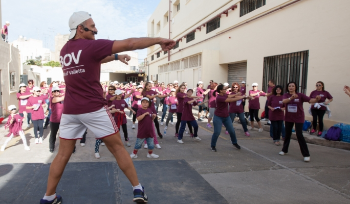 Hundreds of Bank of Valletta employees took part in the President's Fun Run