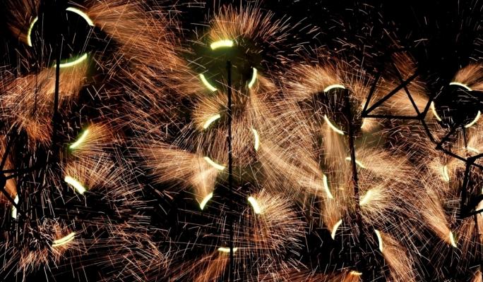 Mechanised ground fireworks