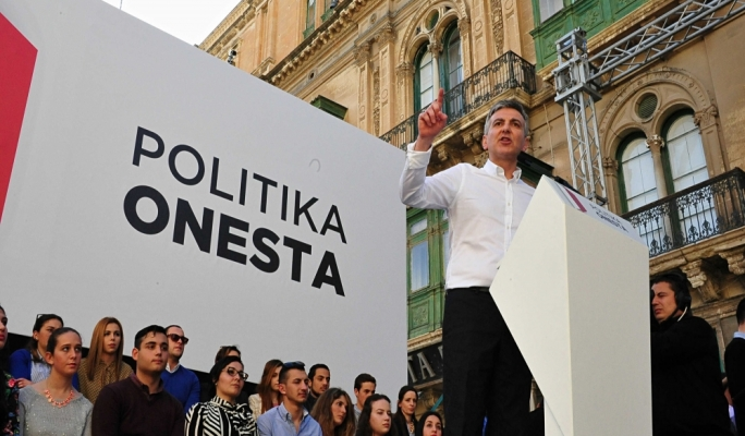 PN leader Simon Busuttil addressing the crowd during the PN's protest against corruption • Photos: Ivan Consiglio