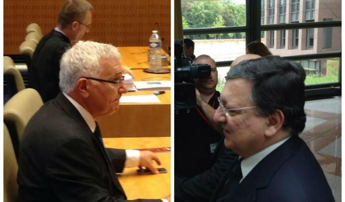 Not friends: John Dalli (left) and EC president José Manuel Barroso