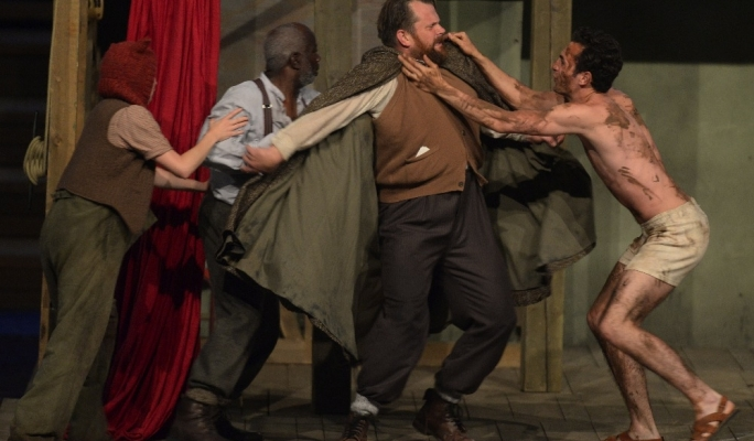 The Globe Theatre's touring production of King Lear at Pjazza Teatru Rjal