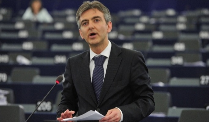 Simon Busuttil says he met both tobacco lobbyists and health NGOs on the Tobacco Products Directive.