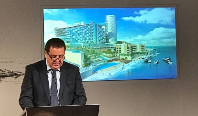 Hotelier Silvio Debono presents his project at the announcement of the land transfer