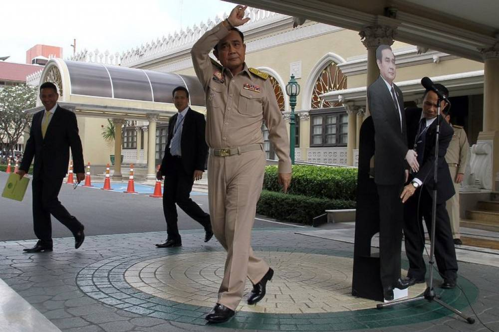 Thai PM uses cardboard stand-in to avoid press