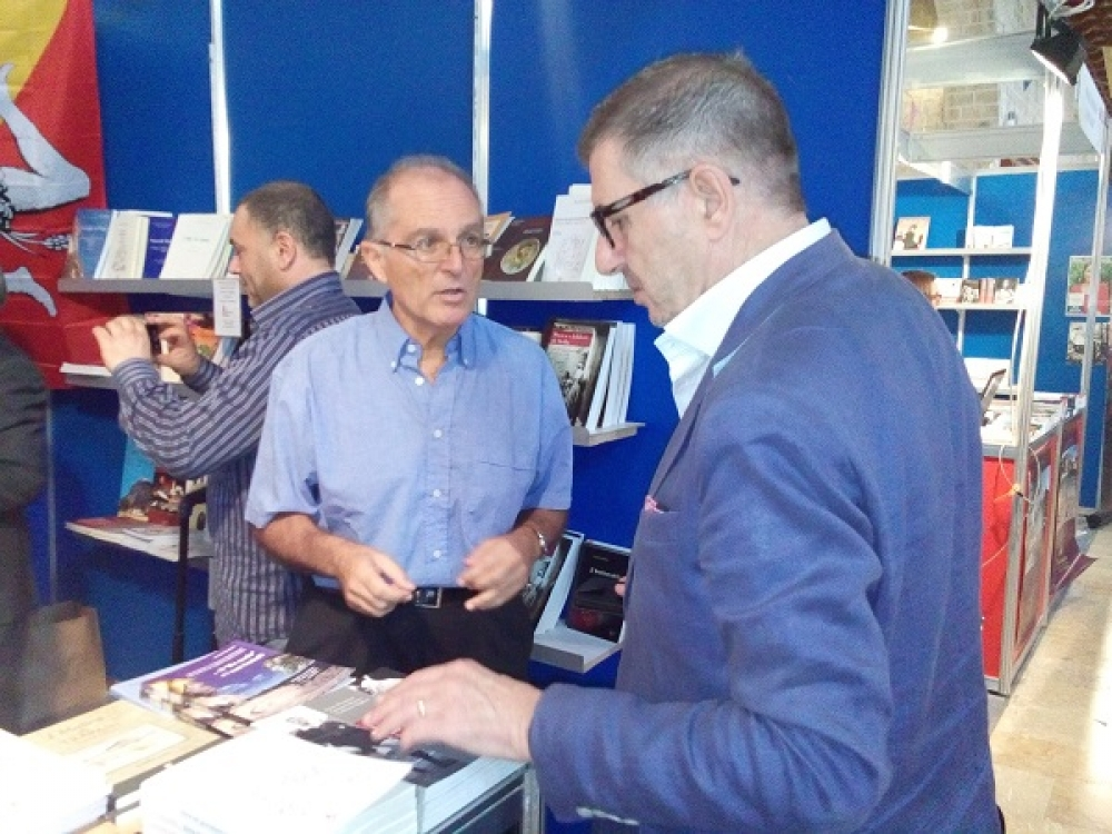 Greens at book fair: 'more informed society, a more democratic society'