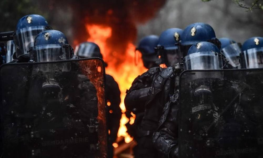 French police start evacuating eco-activitists in woods near Nantes