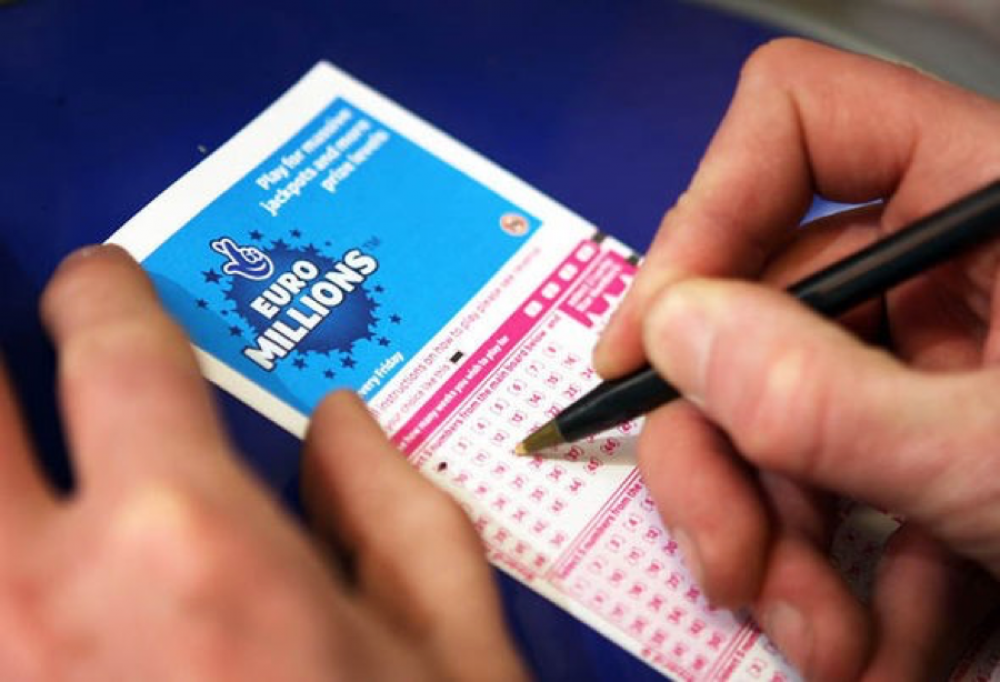 It started at €17 million - now EuroMillions jackpot is at €140 million