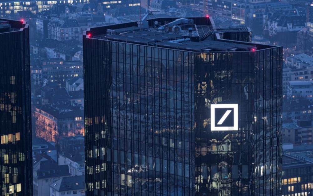Deutsche Bank headquarters raided over money laundering