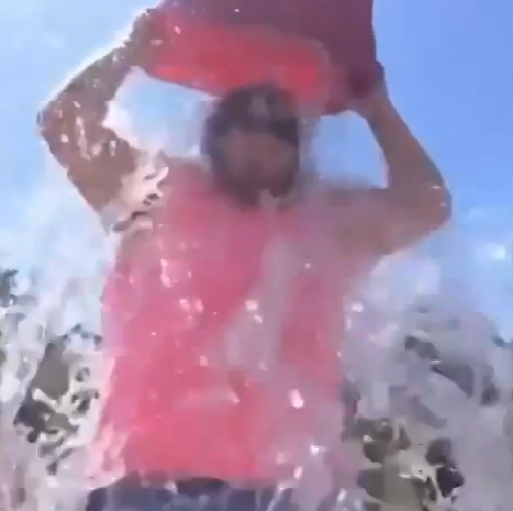 [Watch] Compilation of ice bucket challenge fails