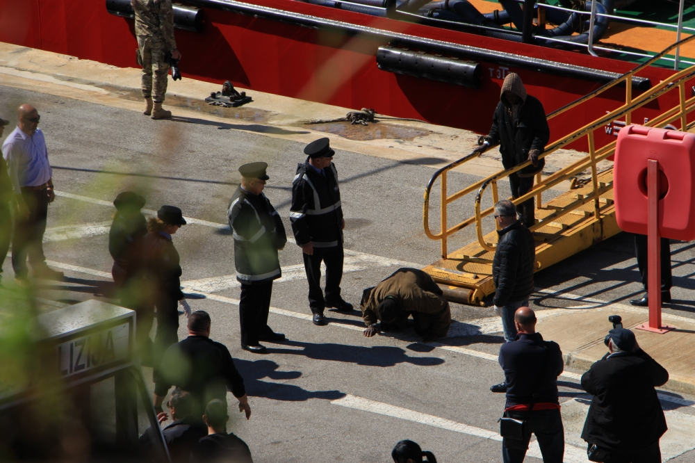 Updated | Ship captain repeatedly told army officers his vessel was 'under piracy'