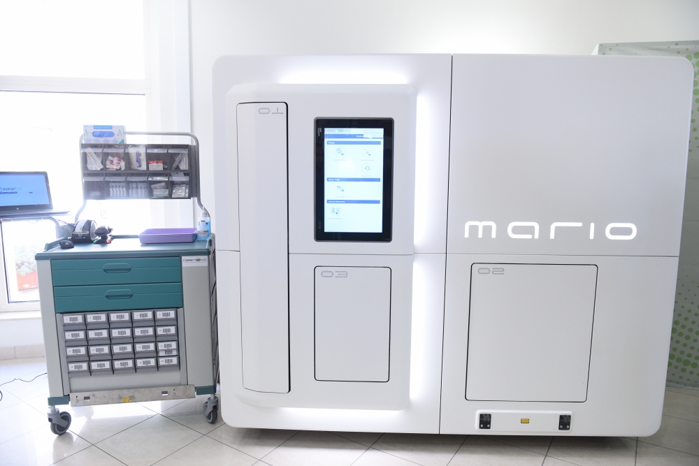 [WATCH] Robot Mario will provide you with your medicine