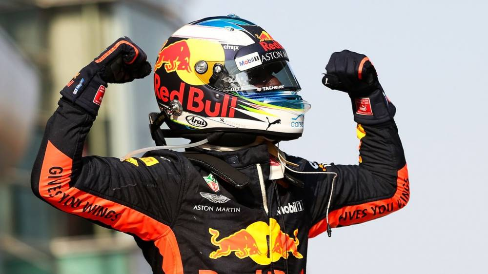 Chinese GP: Daniel Ricciardo wins a thriller after Max Verstappen and Sebastian Vettel collide