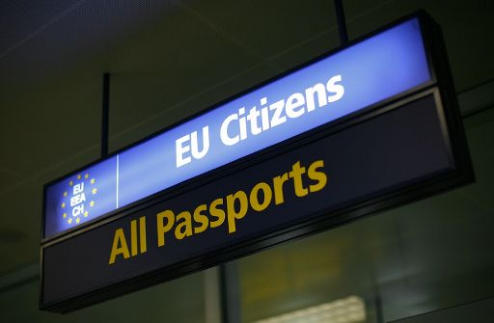 UK looks to keep visa-free travel for EU citizens after Brexit
