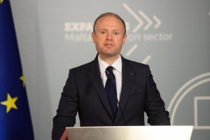 Prime Minister: Delia went from far-right talk to suggesting Malta should become migrants centre