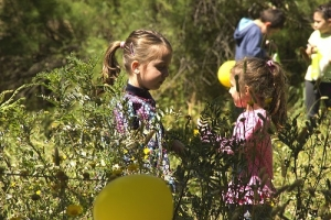 Families participate in Xemxija Easter-egg hunt