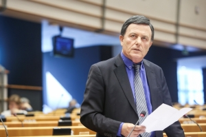 Alfred Sant accuses PN of plotting to undermine Maltese presidency of the European Council