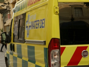 Motorcyclist grievously injured in traffic accident