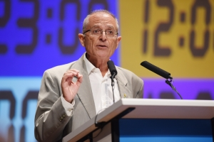 Arnold Cassola asks corruption commission to investigate Yorgen Fenech's gifts to PM