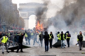 [WATCH] 90,000 security personnel deployed in France as anti-government protests continue
