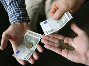 Economic boom for whom? Maltese wages only ones in EU to fall last year