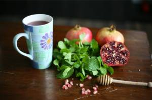 Pomegranate and mint tea