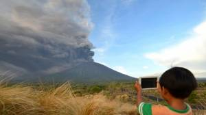 [WATCH] Bali: Mount Agung alert raised to highest level possible
